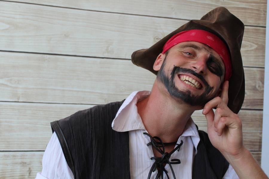 animacja dla dzieci pirat pomalowany